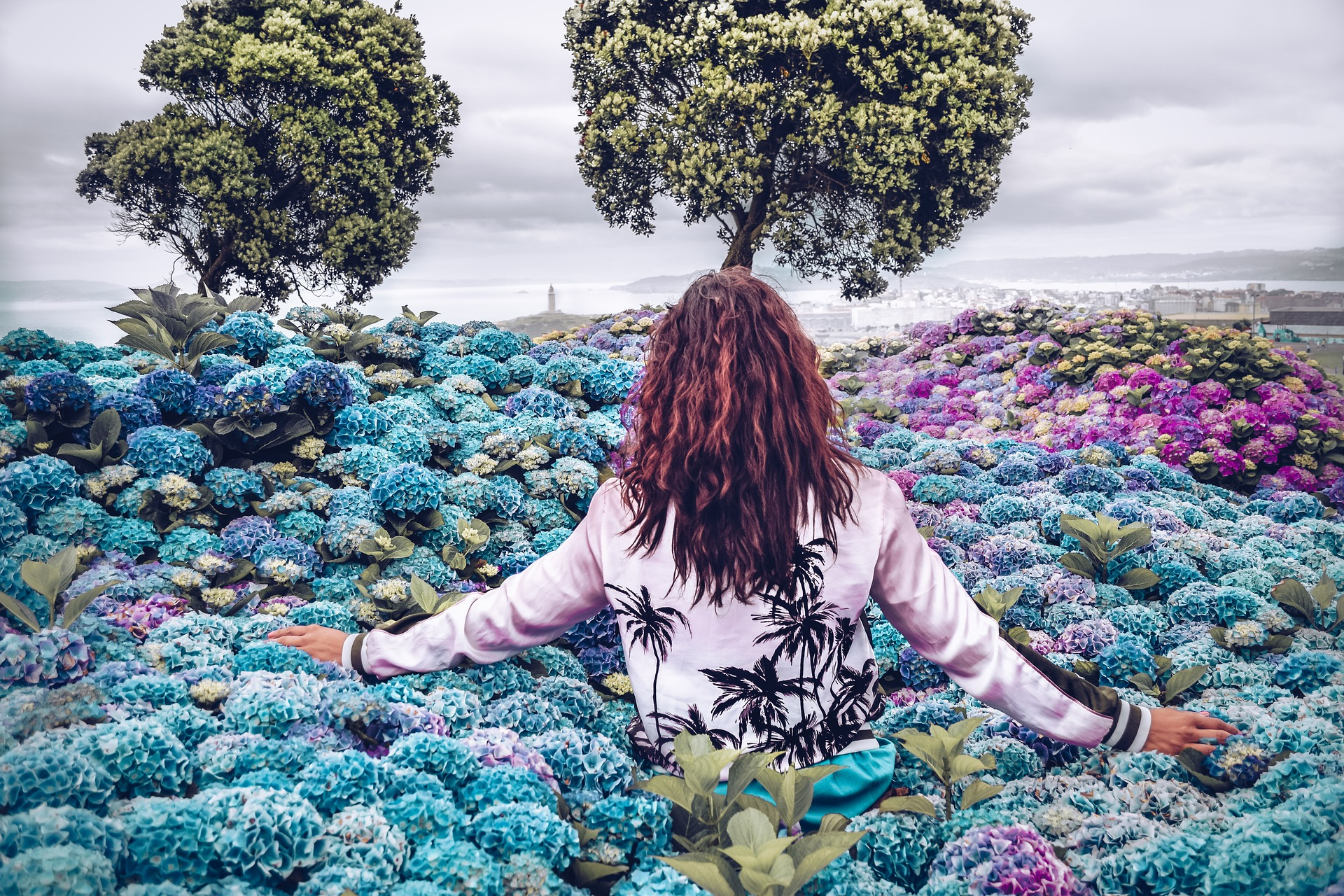 MUJER FELIZ flores